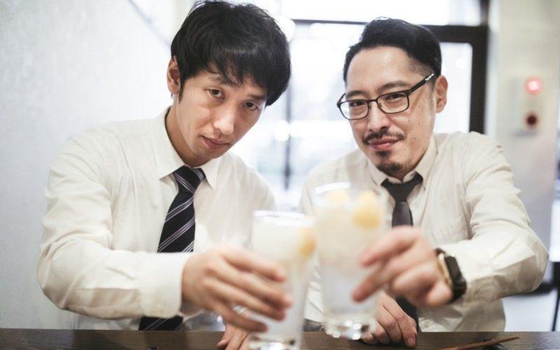 年上男性と乾杯