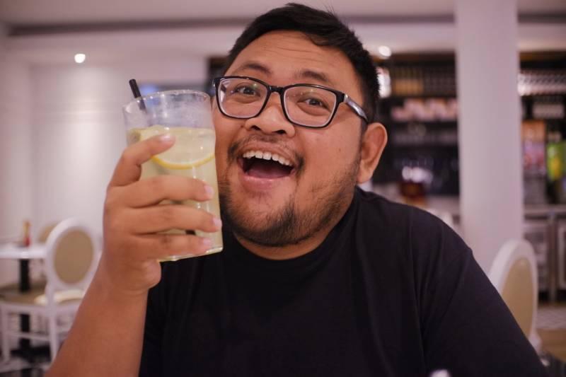 太ってる男性の笑顔