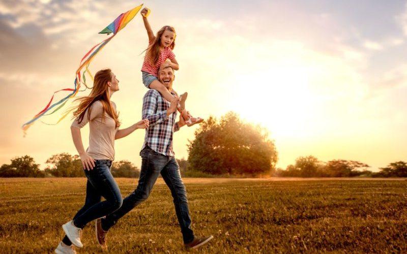 家族と幸せな光景
