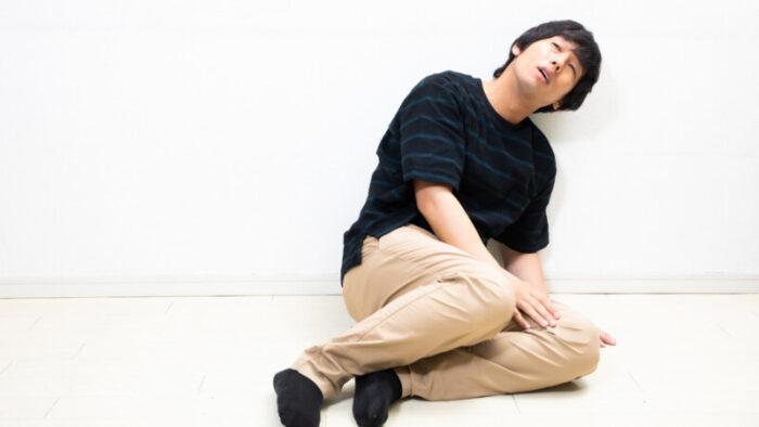 腹筋の挫折する男