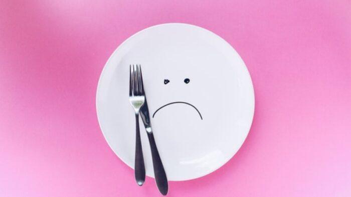 不満なお皿